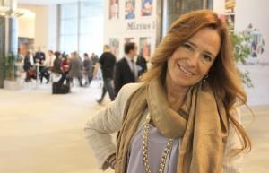 Teresa Jiménez-Becerril en los pasillos del Parlamento Europeo