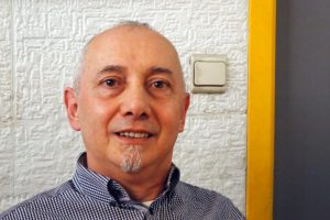 Hugo Rodríguez es coordinador del club de lectura del Instituto Cervantes de Bruselas
