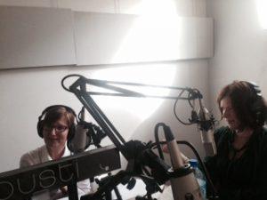 Eva Calcedo y Catarina Barsikova, dos de las autoras de Brussels Umbrellas